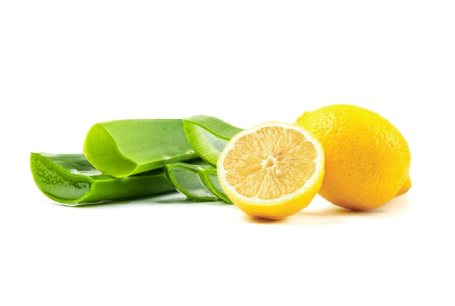Lemon-juice-with-Aloe-Vera-Gel