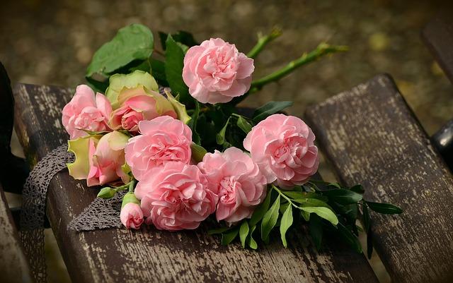 bouquet-1463562_640